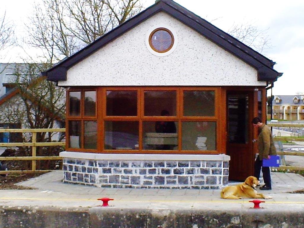 Tarmonbarry Lock House